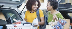 A mom helping her daughter move to college after getting a Parent PLUS loan